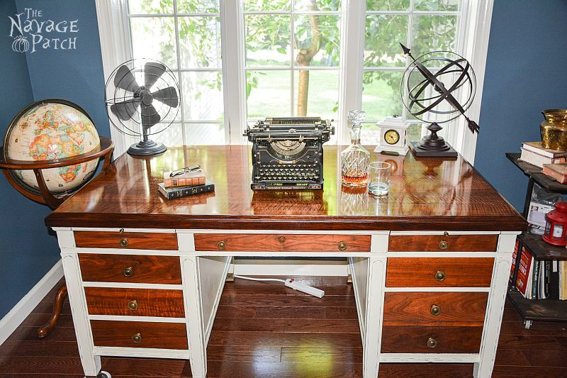 Vintage Desk Makeover | Refurbished desk | Diy chalk paint recipe | How to create a shiny desk top| How to shine old wood | Diy furniture makeover and woodworking | Homemade chalk paint recipe | Before & After | TheNavagePatch.com
