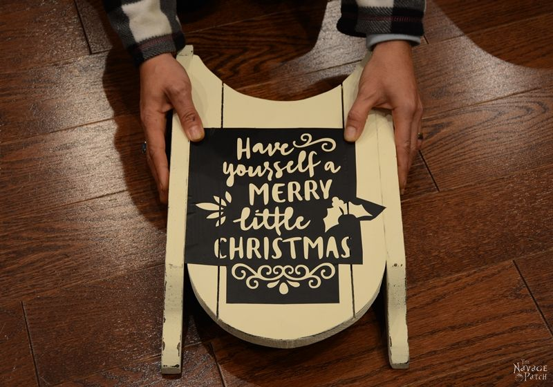 Merry Little Sled | Diy Christmas decoration | Free Christmas Printable | Sled makeover | Diy chalk paint | Homemade chalk paint recipe | How to stencil | Stenciled home decor | Festive home decor | Cheap & easy crafts | #painted and #stenciled #diy #Christmas #crafts, #freeprintable | TheNavagePatch.com