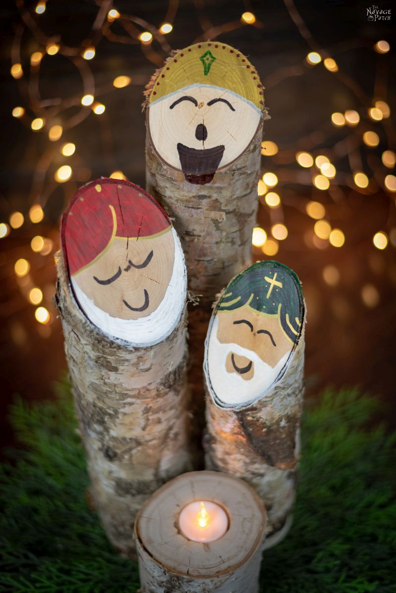 Simple birch log nativity scene   DIY Upcycled Christmas decoration   Easy 30-minute Christmas craft for kids and adults   DIY upcycled nativity decor with three wise men   #TheNavagePatch #DIY #easydiy #Kidscraft #Upcycled #Repurposed #Christmas # Nativity #Holidaydecor #DIYChristmas #sharpie #Holidays #birch   TheNavagePatch.com