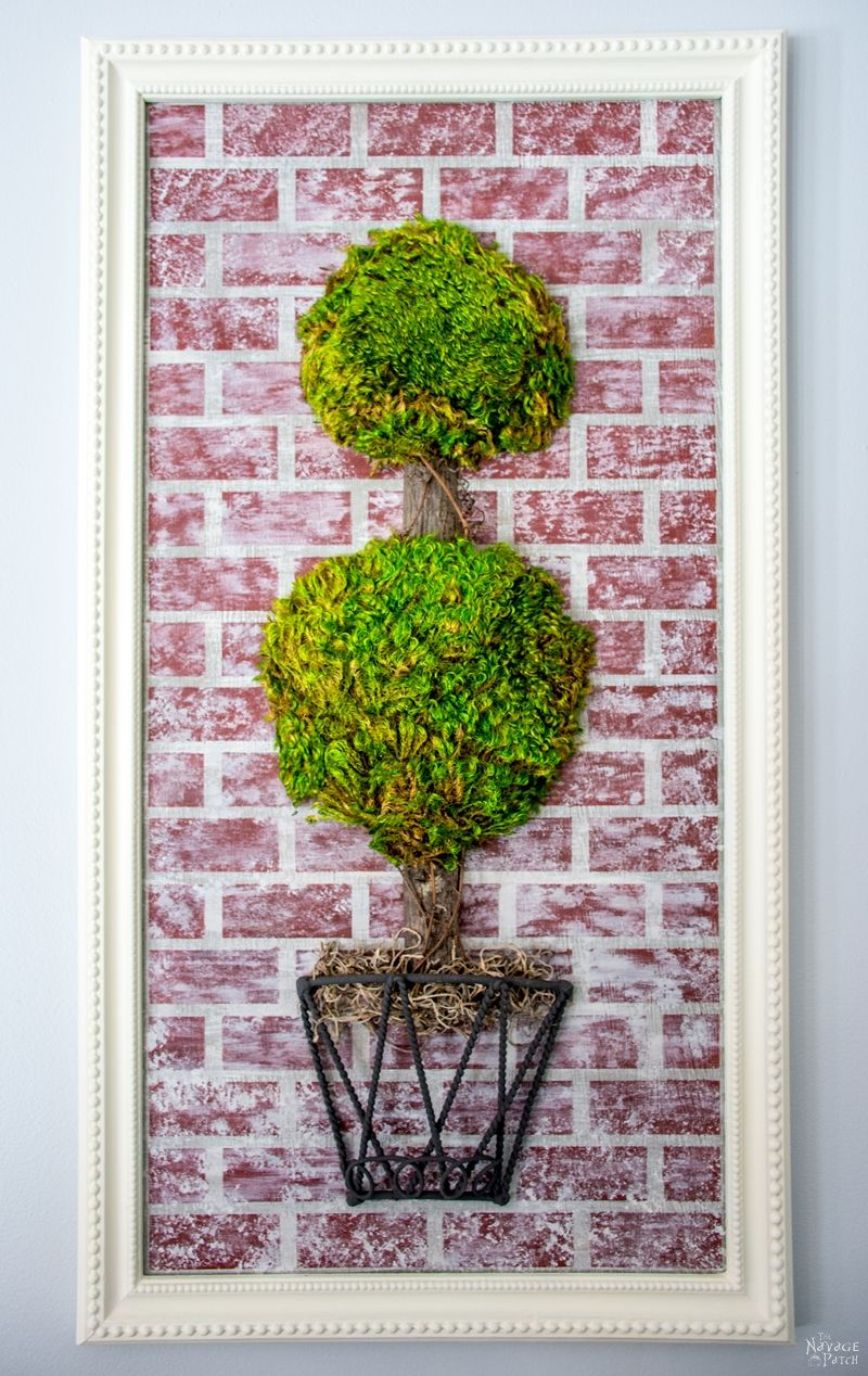 How To Fix Beaded A Frame {The Easy Way} | DIY Frame makeover | DIY moss topiary wall decor | Homemade chalk paint recipe | How to fix a broken picture frame and make it look new | Simple DIY home decor | Evergreen wall decor | TheNavagePatch.com