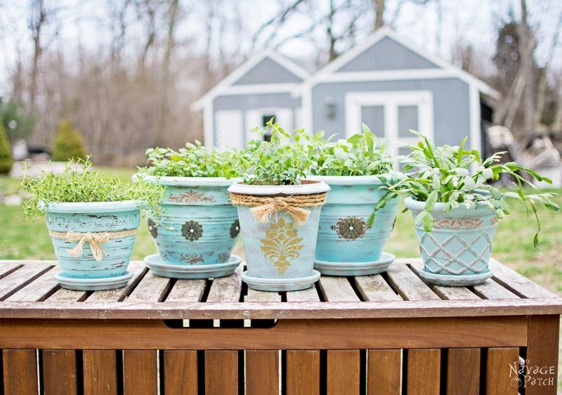 DIY flower pot makeover with homemade chalk paint | Painted, stenciled and distressed terracotta planters | Planter makeover with DIY chalk paint | Wet distressing method | #TheNavagePatch #DIY #Garden #Upcycle #ChalkPaint | Free paint color code | TheNavagePatch.com