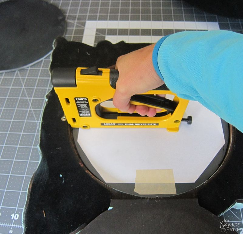Halloween Haunted Mirror and DIY Chalkboard   How to antique a mirror   Stripping mirror   DIY Halloween decor   Upcycled and Repurposed Halloween decor   DIY chalk paint recipe   Upcycled picture frame   #TheNavagePatch #Upcycle #Repurposed #halloweendecorations #halloween #easydiy #DIY #halloweenparty #haunted #HowTo #gothic #spooky   TheNavagePatch.com
