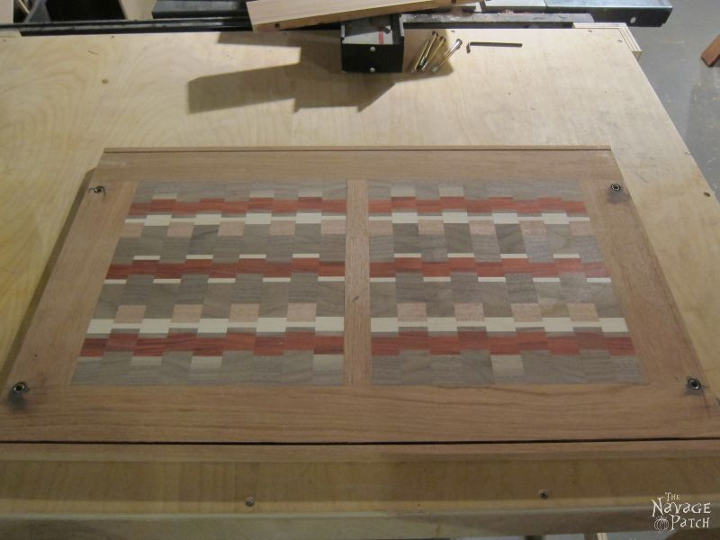 Baker's Rack Makeover l | Woodworking & diy | DIY furniture makeover | Before & After | French country decorating | Farmhouse style furniture | How to make a baker's rack countertop from end-grain cutting boards | #Tutorial for #Handmade #Endgrain #Countertop using #exoticwood | #Woodworking & #diy | TheNavagePatch.com