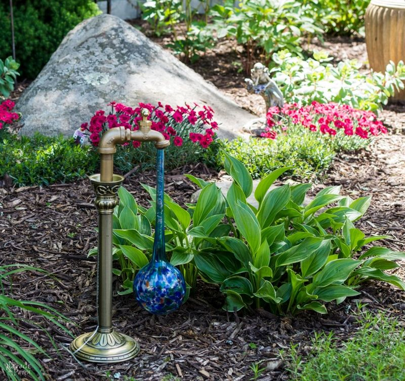 DIY Waterdrop Solar Light in a garden during the day
