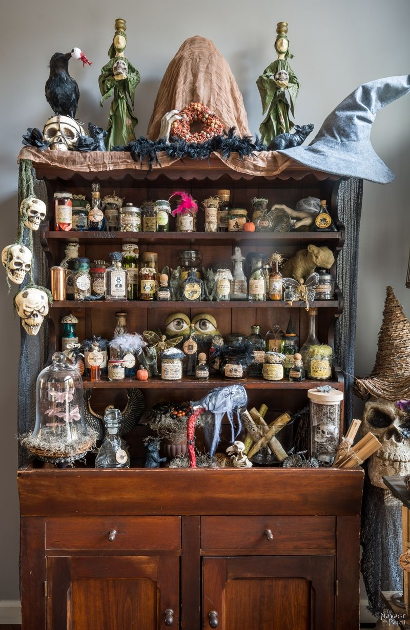Halloween Apothecary Jars and Free Printable Labels - TheNavagePatch.com