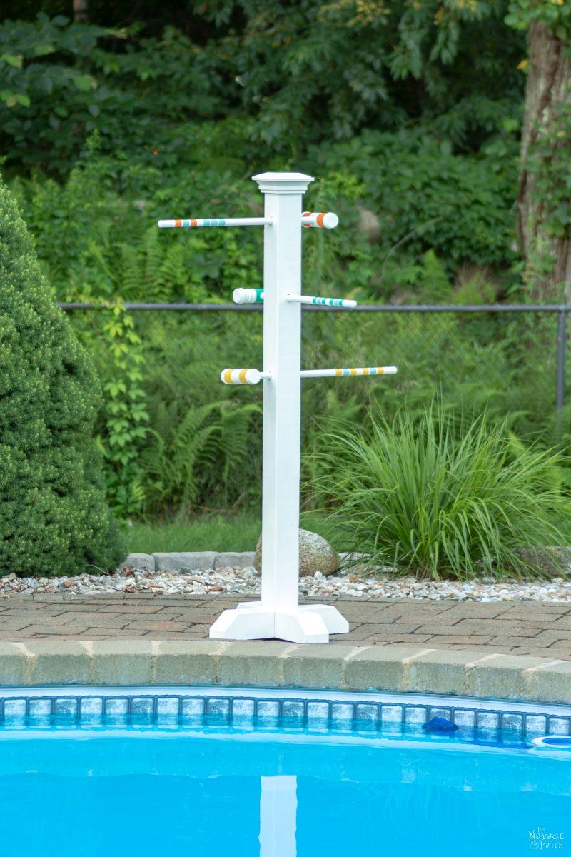 Croquet Mallet Pool Towel Rack   DIY Pool Towel Rack   DIY outdoor towel rack   Upcycled croquet set   Repurposed croquet mallets   DIY towel rack   #TheNavagePatch #DIY #easydiy #Upcycled # Repurposed #HowTo #Outdoor #Summerstyle #PaintedFurniture #Decoart #Decoartproject #myrustoleum   TheNavagePatch.com