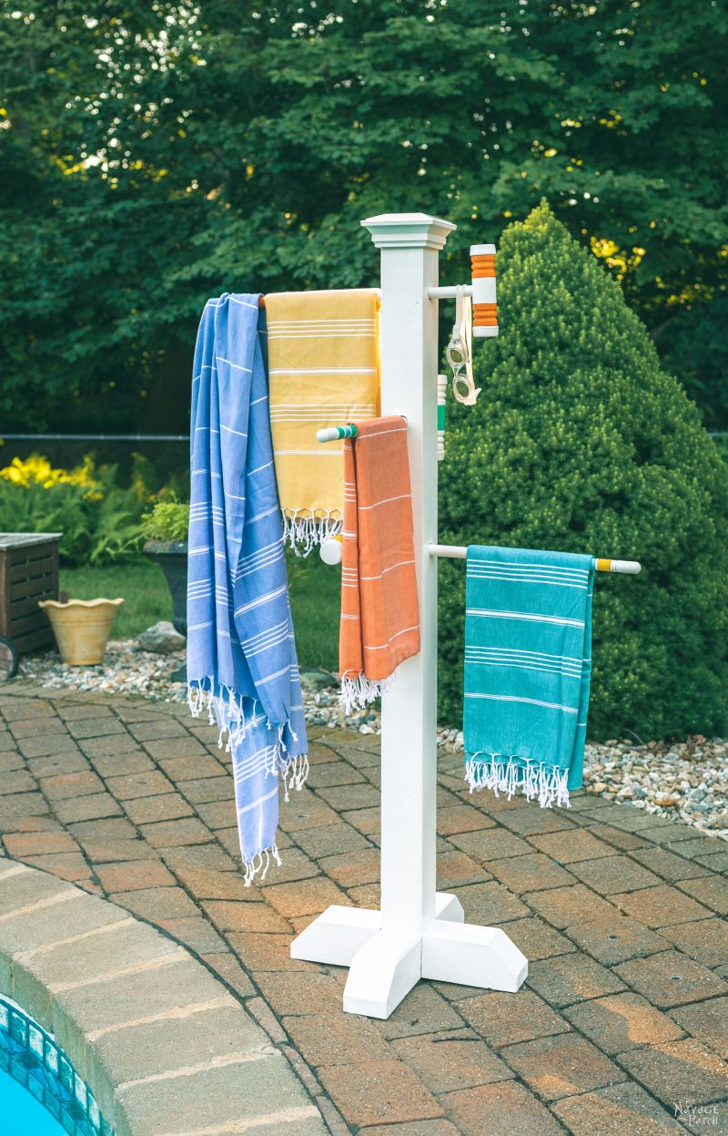 Croquet Mallet Pool Towel Rack | DIY Pool Towel Rack | DIY outdoor towel rack | Upcycled croquet set | Repurposed croquet mallets | DIY towel rack | #TheNavagePatch #DIY #easydiy #Upcycled # Repurposed #HowTo #Outdoor #Summerstyle #PaintedFurniture #Decoart #Decoartproject #myrustoleum | TheNavagePatch.com