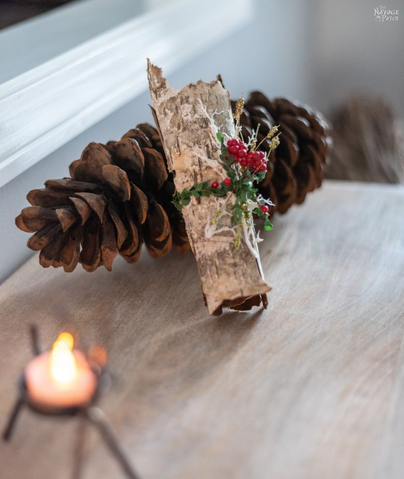 Merry Christmas Home Tour 2018 | Classic Christmas home decor ideas | Red, green and white Christmas with upcycled and DIY holiday decor | #TheNavagePatch #easydiy #Christmas #Upcycled #DIY #Holidaydecor #DIYChristmas #Christmascrafts #Winterdecor #DIYHomedecor #Holidays | TheNavagePatch.com