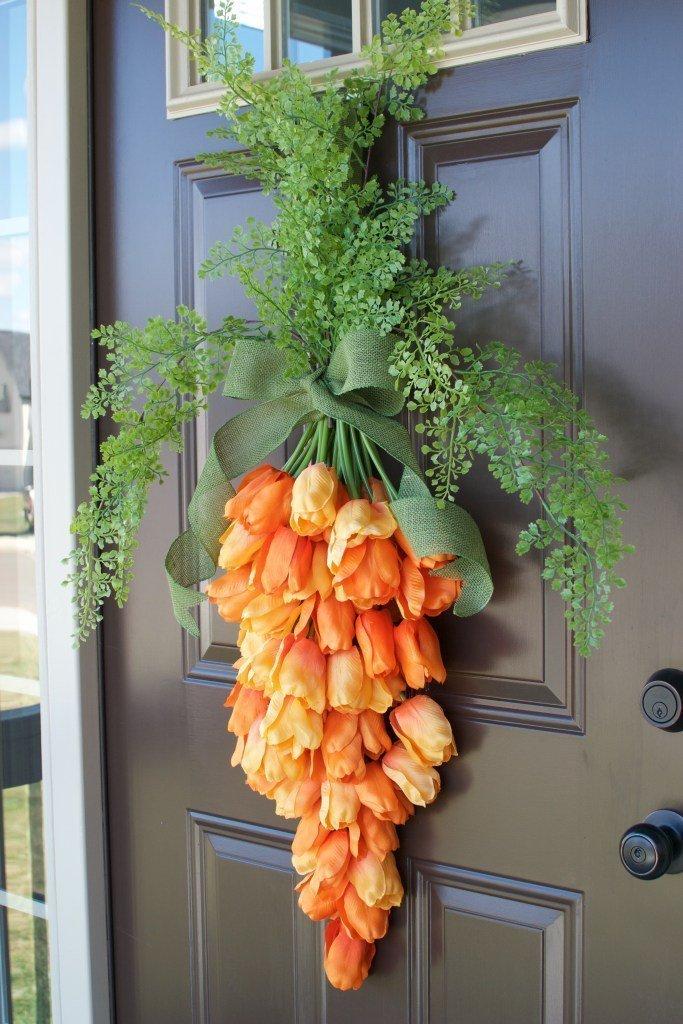 Spring carrot door hanger by Love The Tompkins