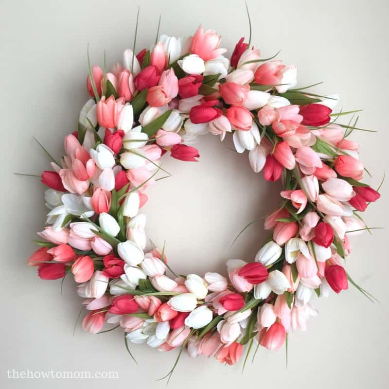 DIY tulip wreath by The How To Mom