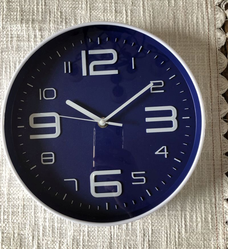 clock with a blue face