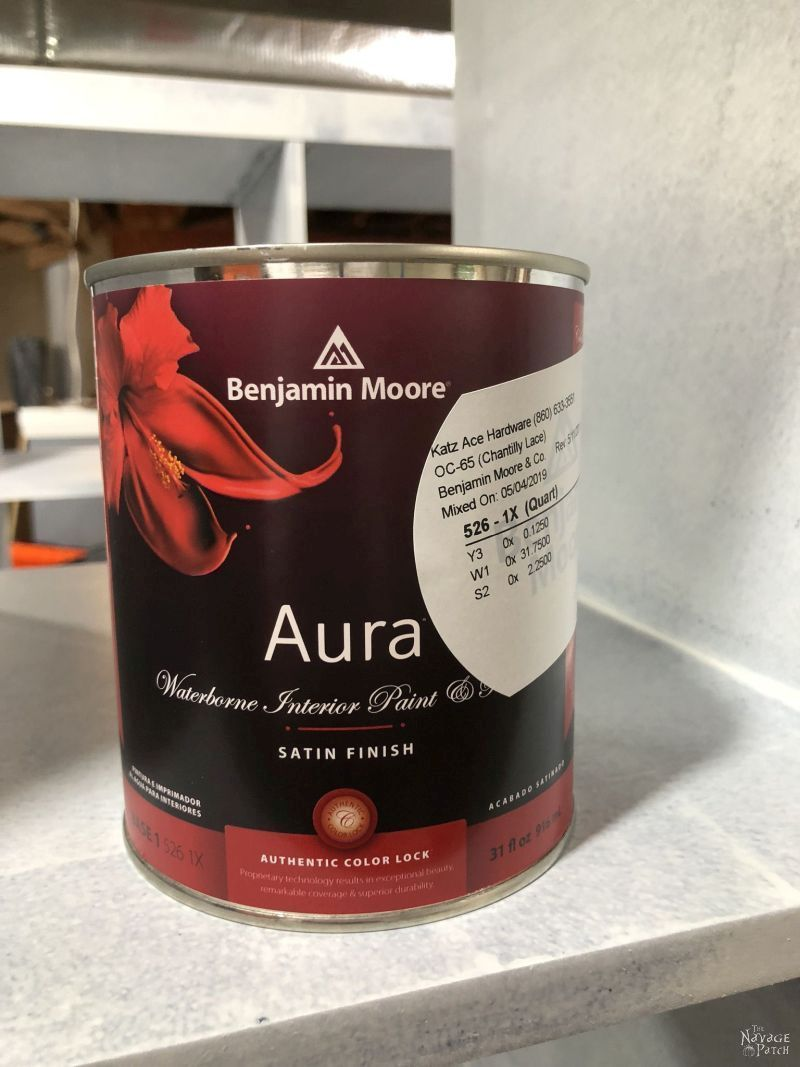 can of benjamin moore paint