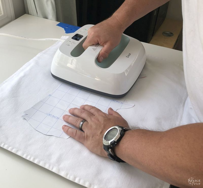 using a cricut easypress 2 to make a heat transfer for a patriotic pillow