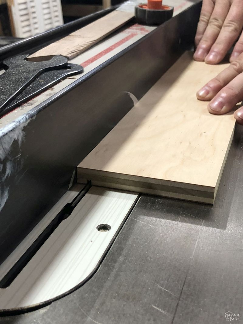 cutting grooves in wood with a table saw