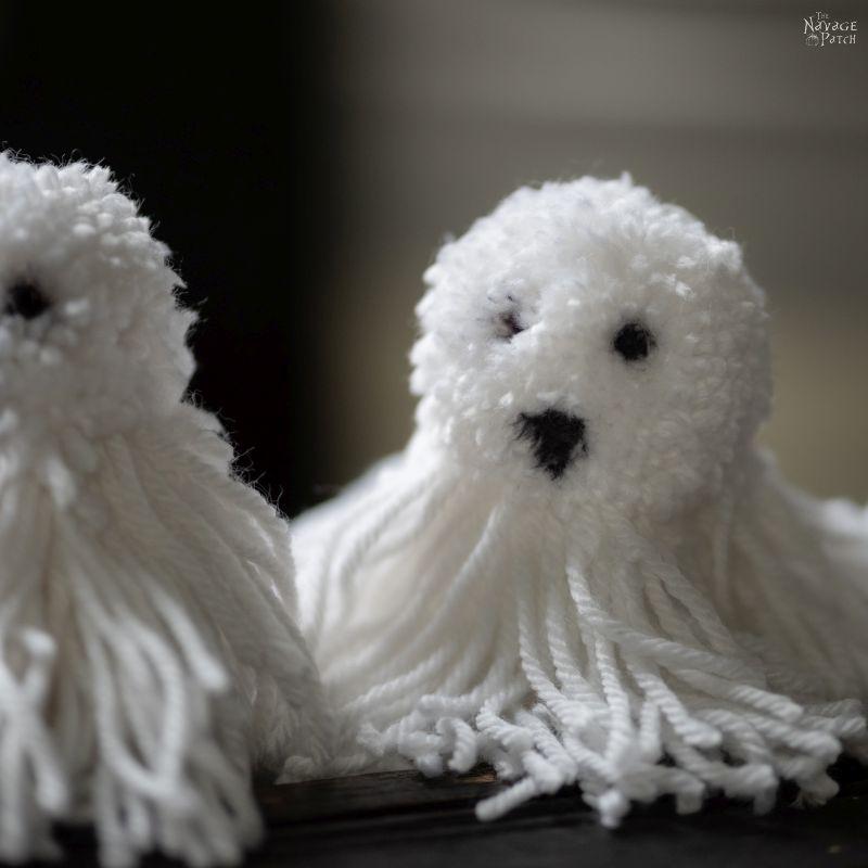 diy ghost pom pom