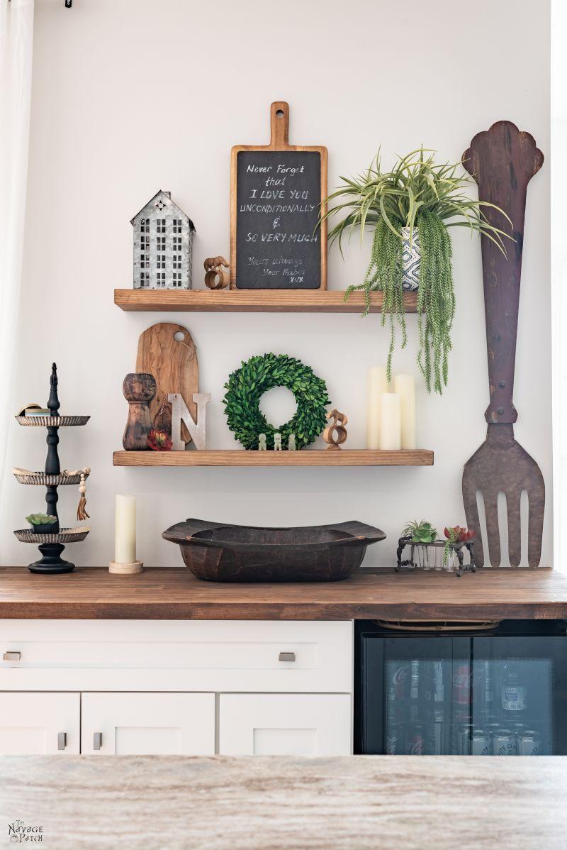 DIY Floating Shelves - TheNavagePatch.com