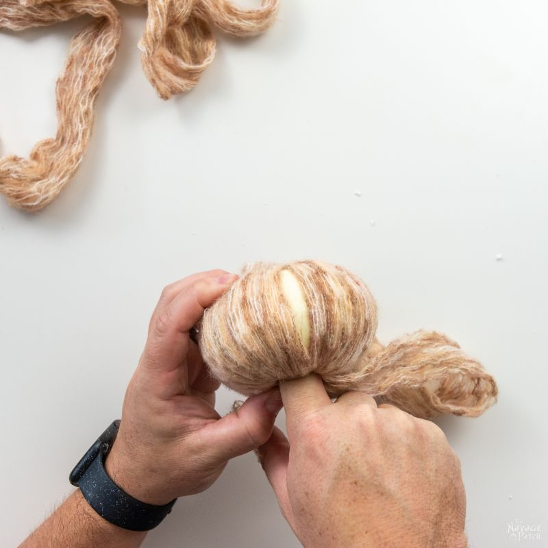 making a yarn pumpkin