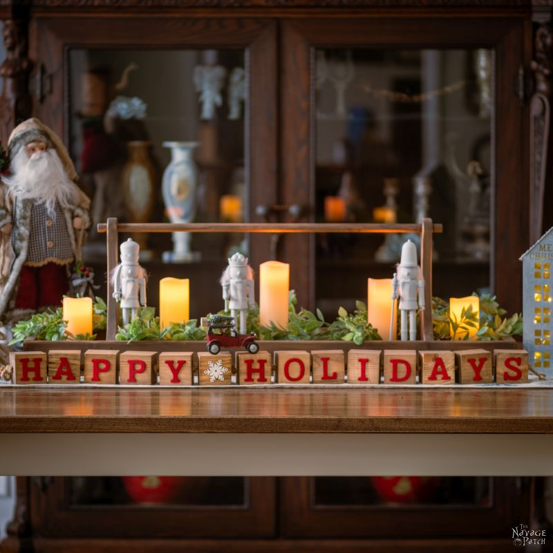 DIY Decorative Holiday Blocks - TheNavagePatch.com