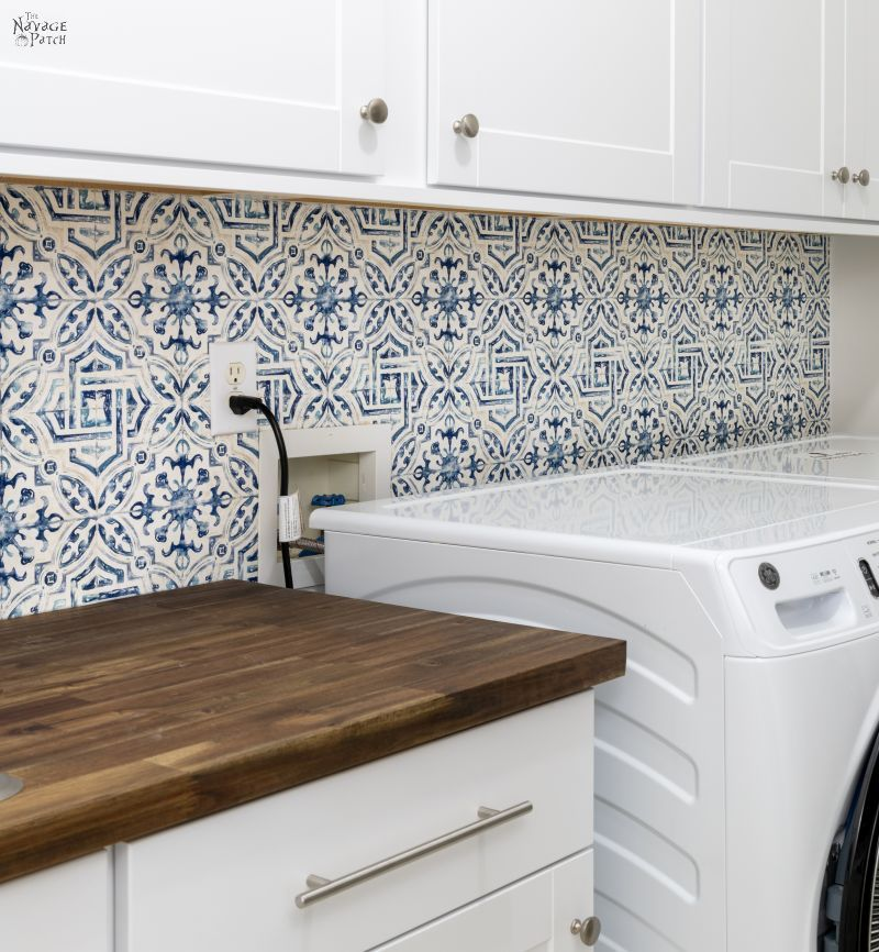 DIY Wallpaper Backsplash - TheNavagePatch.com