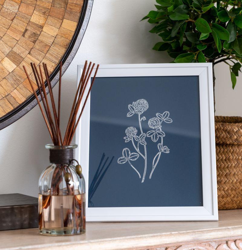 DIY Foil Flower Line Art for a Bohemian Bedroom - TheNavagePatch.com