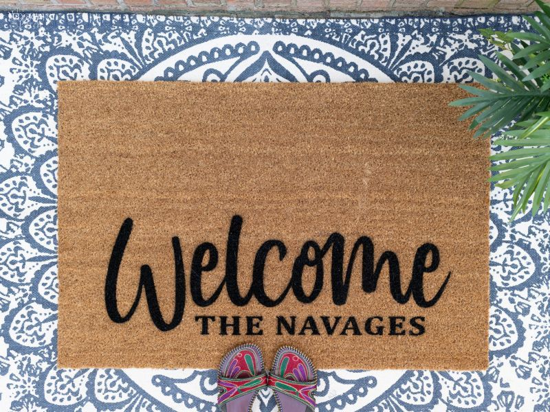 DIY Personalized Door Mat – TheNavagePatch.com