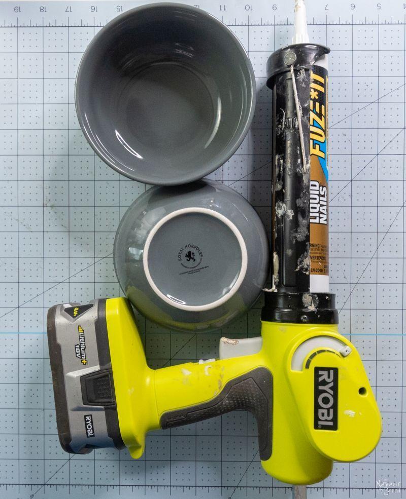 adhesive gun and bowls