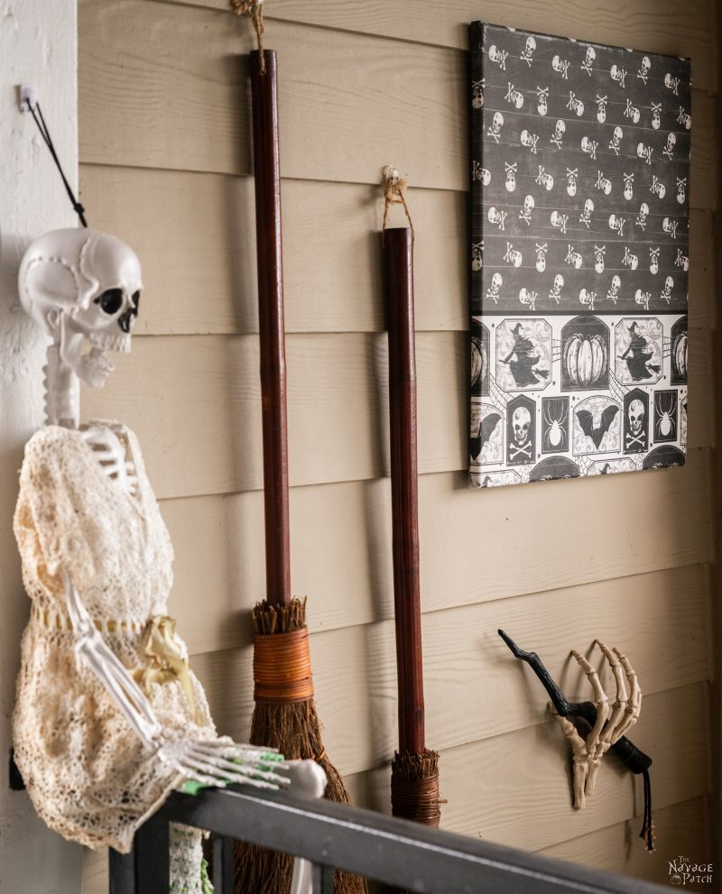 DIY Dollar Store Halloween Canvas Art - TheNavagePatch.com